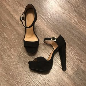 Black Open-toe Platform Heels